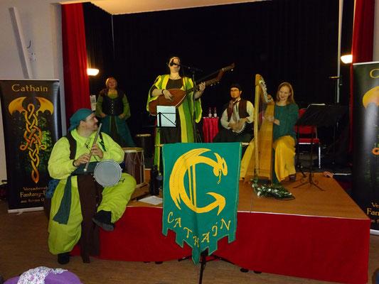 Und endlich spielen sie auf - Welcome Cathain! :)