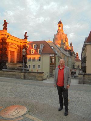 Auf der Brühlschen Terrasse mit Blick zum Neumarkt mit Frauenkirche