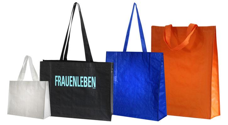 Permanenttaschen aus festem Ripstopgewebe mit langen und kurzen Griffen Permanenttaschen ohne Druck oder mit Heißfolienprägung und im Siebdruck bedruckt möglich