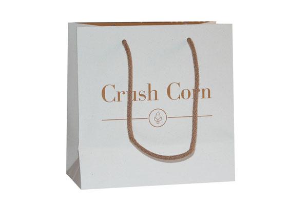Papiertaschen nachhaltig aus den Nebenprodukten der Maisernte mit Kordel und verstärktem Randumschlag und Taschenboden