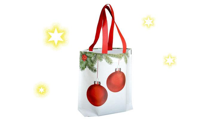 Weihnachtstasche mit Kugeln Chirstbaumkugeln Weihnachtskugeln grünen Tannenzweige aus Non Woven mit roten angeschweißten Trage Griffen
