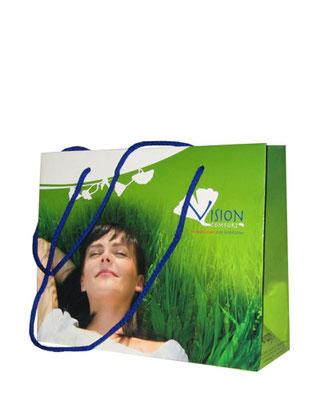 Lacktaschen aus Papier - Glanzkaschierte Papiertragetaschen mit Kordel
