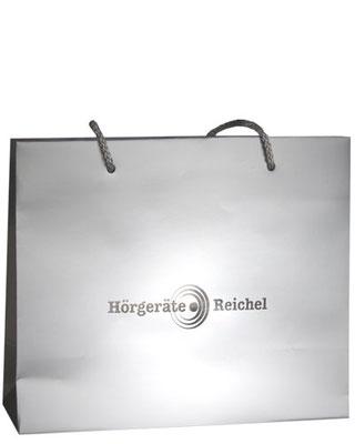 geprägte Papiertaschen mit Heißfolienprägung in silber