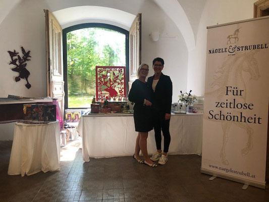 Nägele & Strubell Duftbuffet bei der Ausstellungseröffnung im Schloss Ebenau ©Marion Faber