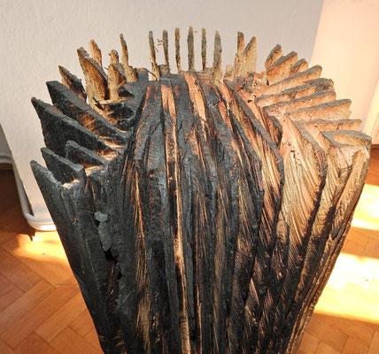 Einblick in die Ausstellung 'Zwischen Bild und Skulptur im Schloss Ebenau, Skulptur Johann Feilacher, Herbst 2019 ©Hermann Verderber