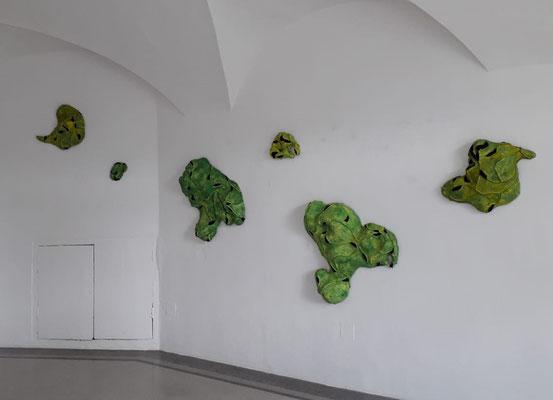"""Einblick in die Ausstellung """"Impuls Natur II"""", Alexandra Deutsch, Schloss Ebenau 2020 © bei der Künstlerin und Galerie Walker"""