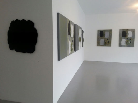 Einblick in die Ausstellung 'Tagesbilder I Slike dneva' im Kunstraum Walker in Klagenfurt, 2016 ©Galerie Walker