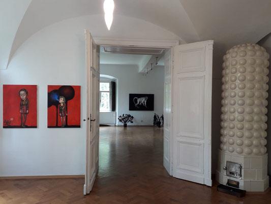 """Einblick in die Ausstellung """"Schön sind wir sowieso"""", Christy Astuy, 2019 ©Galerie Walker"""