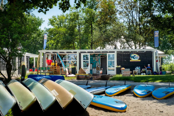 Droompark Bad Hoophuizen - Surfschule Wendy Waters
