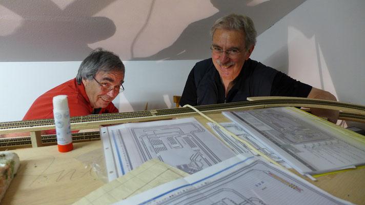 Rudi Rommel (N-Bahn-Experte) und Peter Brandl (unser Boss bei der N-Anlage)