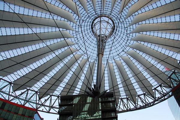 Dach über dem Sony-Center