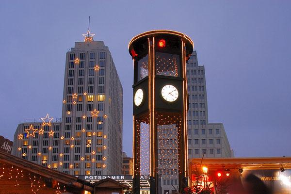 Historische Uhr am Potsdamer Platz