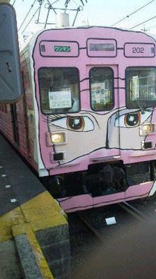 実家の伊賀上野にて。忍者電車です。