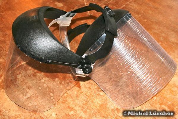 Schutzmaske gegen das Gift von Speikobras.