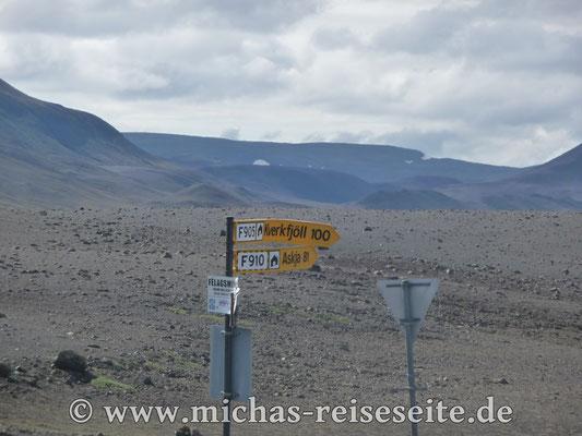 Die Schilder weisen uns den Weg - jetzt hält uns nichts mehr auf...