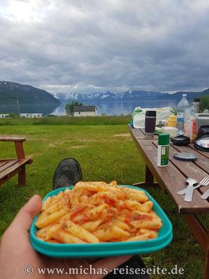 Bei dem Ausblick schmeckt das Essen nochmal so gut ;)