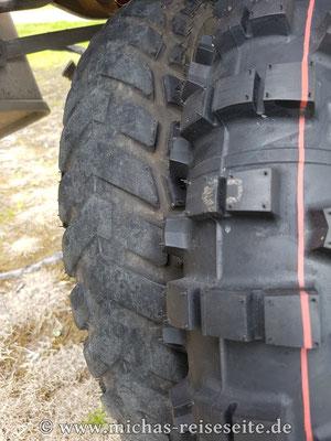 Eigentlich wollten wir den Reifen ein paar Tage später wechseln. Aber irgendwie sind wir nicht dazu gekommen - so ist der K60 bis nach Hause draufgeblieben ;)