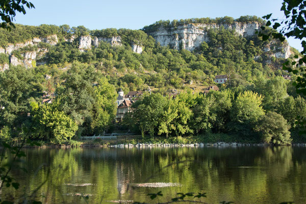 El río Dordoña cerca del Cuvier de Saint Martin