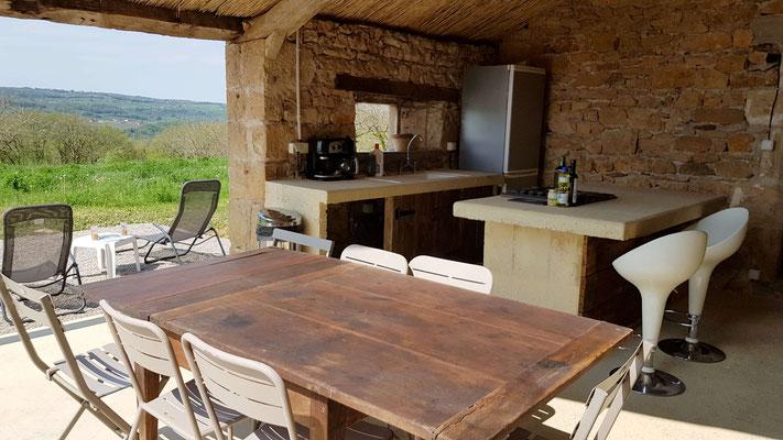 La cocina de verano del Cuvier de Saint Martin