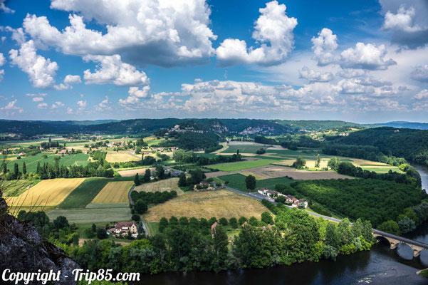 Vue sur la vallée de la Dordogne depuis le château de Castelnaud