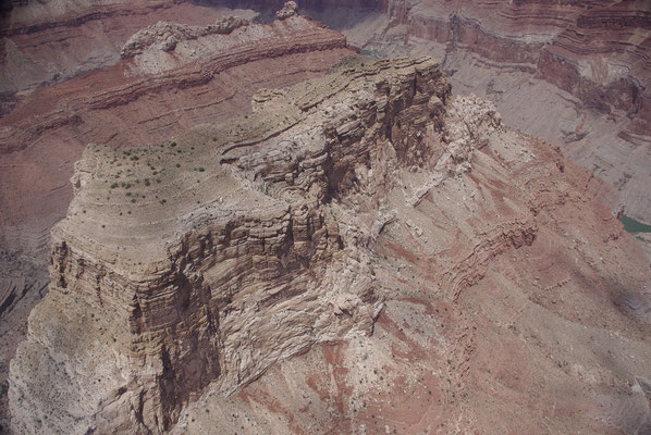 Vue sur le Grand Canyon depuis un hélicoptère !