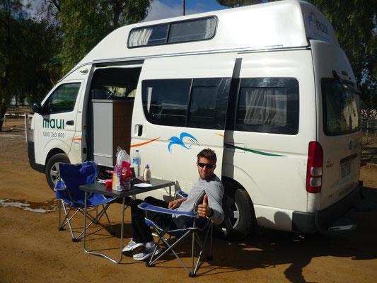 En van Sur la route vers les Flinders Ranges - CopyRight Trip85.com
