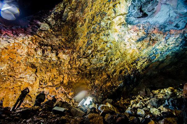 Descendre au fond d'un volcan en Islande est unique au monde !