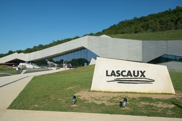 Les Grottes de Lascaux IV, l'entrée !