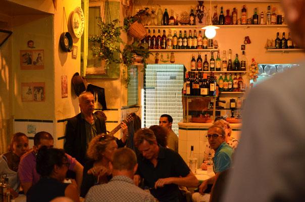 Ecouter du fadoi à Lisbonne est un incontournable !
