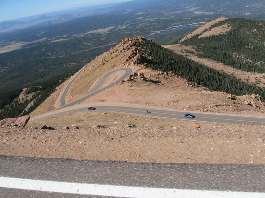 Le course de côte de Pikes Peak est mythique ! - By DrunkDriver (Own work) [CC BY-SA 3.0 (http://creativecommons.org/licenses/by-sa/3.0)], via Wikimedia Commons