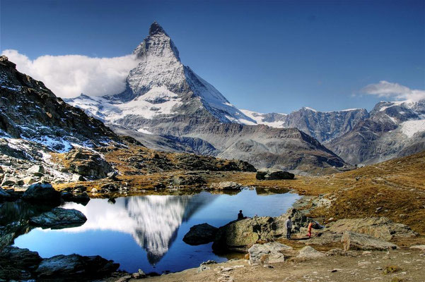 La randonnée des 5 lcas depuis Zermatt ! Vue sur le mont Cervin ! Crédit Photo : By Alagna (Own work) [Public domain], via Wikimedia Commons