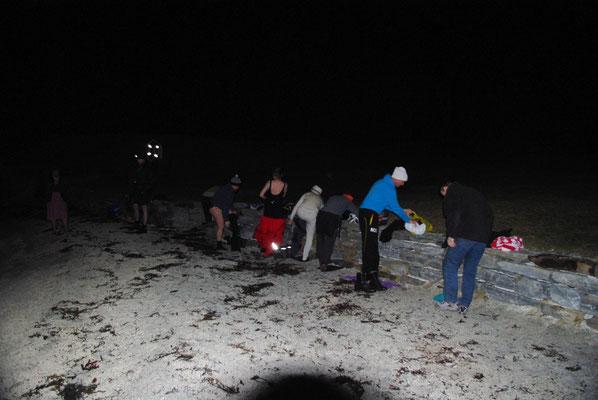 Des habitants de Tromso se donnent rendez-vous pour se baigner dans l'eau glacée en hiver !