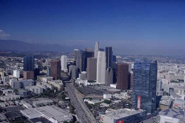 Suvrol en hélicoptère du centre financier de Los Angeles