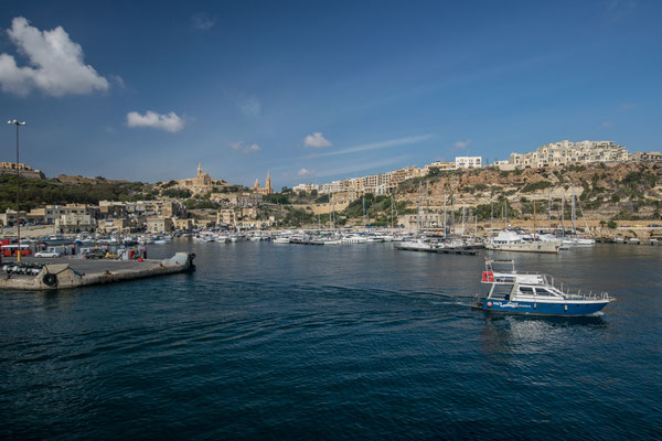 Vue sur Gozo en arrivant en Ferry !
