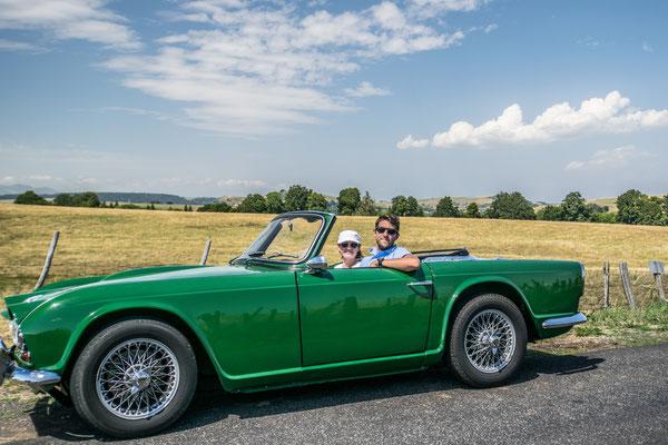 Visiter l'Auvergne en voiture de collection !