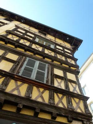 Maison-Hugon_Credit-GT-Office-de-tourisme-Bourg-en-Bresse-Agglomération-2-576x768 - Reproduction Interdite - Source : OT de Bourg-en-Bresse / bourgenbressetourisme.fr