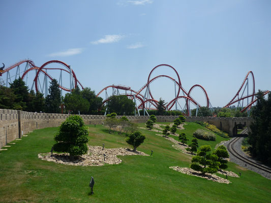 Vuse sur l'une des plus grandes montagnes russes d'Europe - Port Aventura !