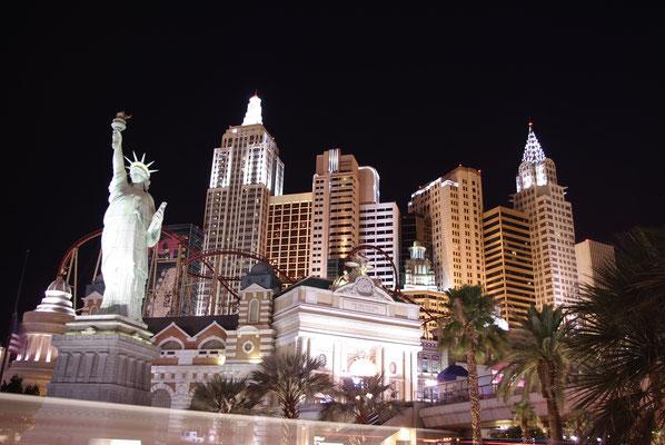 Le New York New York illuminé est sublime quand la nuit est tombée !