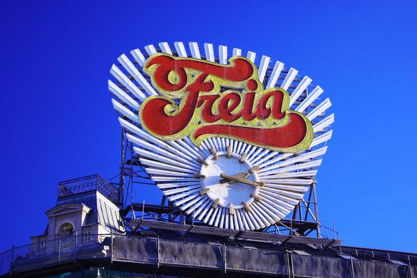 Panneau publicitaire vintage d'Oslo - Freia !