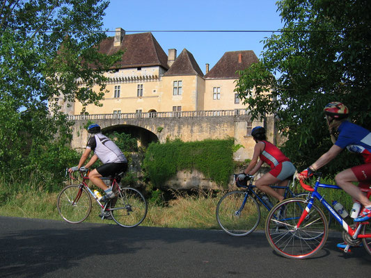 Randonnée cyclo en vallée Vézère  © CDT 24