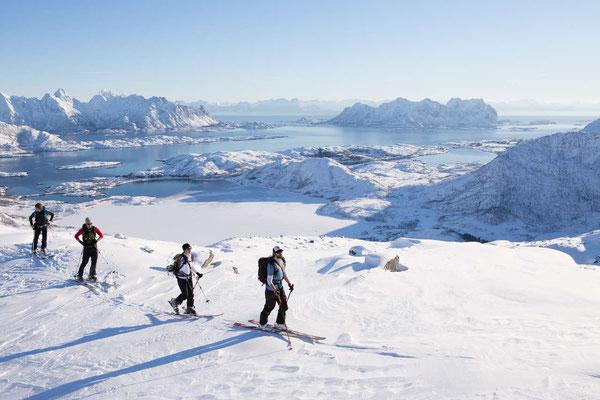 Activité hivernale dans les Lofoten ! Crédit Photo : Terje Rakke - Source : Nordnorge.com