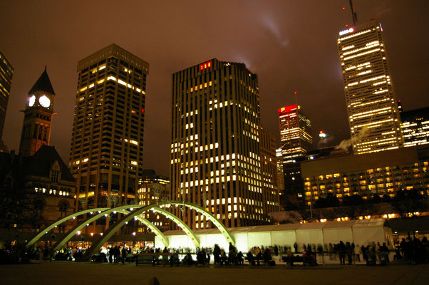 Patinoire hotel de ville de Toronto - Copyright Trip85.com