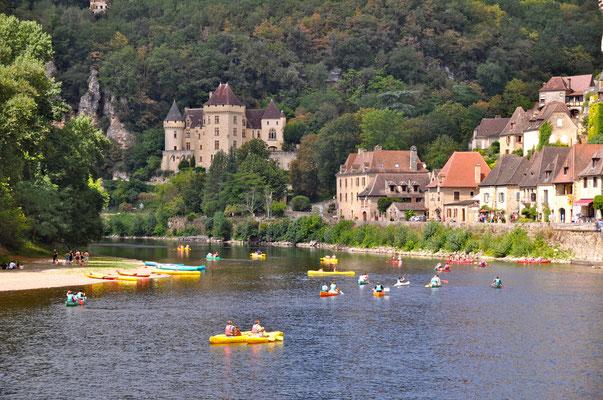 Faire du canoë sur la Dordogne - La Roque Gageac CDT 24 © CDT 24