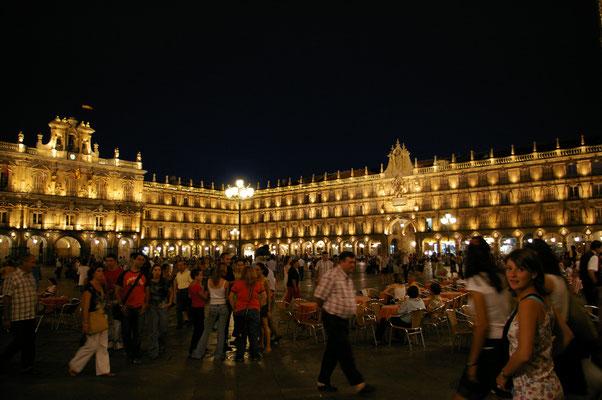 Soirée animée sur la Plaça Mayor de Madrid !