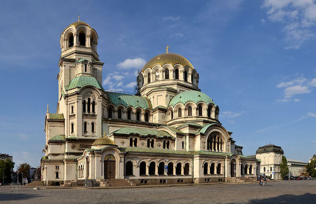 La Cathédrale Alexander Nevsky en Bulgarie - By Pudelek (Marcin Szala) (Own work) [CC BY-SA 3.0 (http://creativecommons.org/licenses/by-sa/3.0)], via Wikimedia Commons