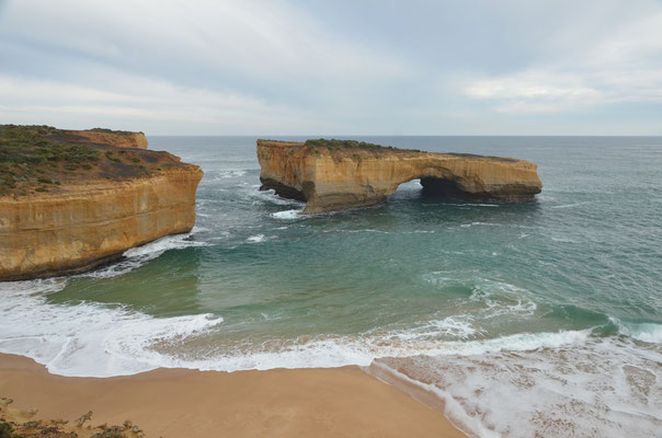 London Arches of Great Ocean Road - CopyRight Trip85.com