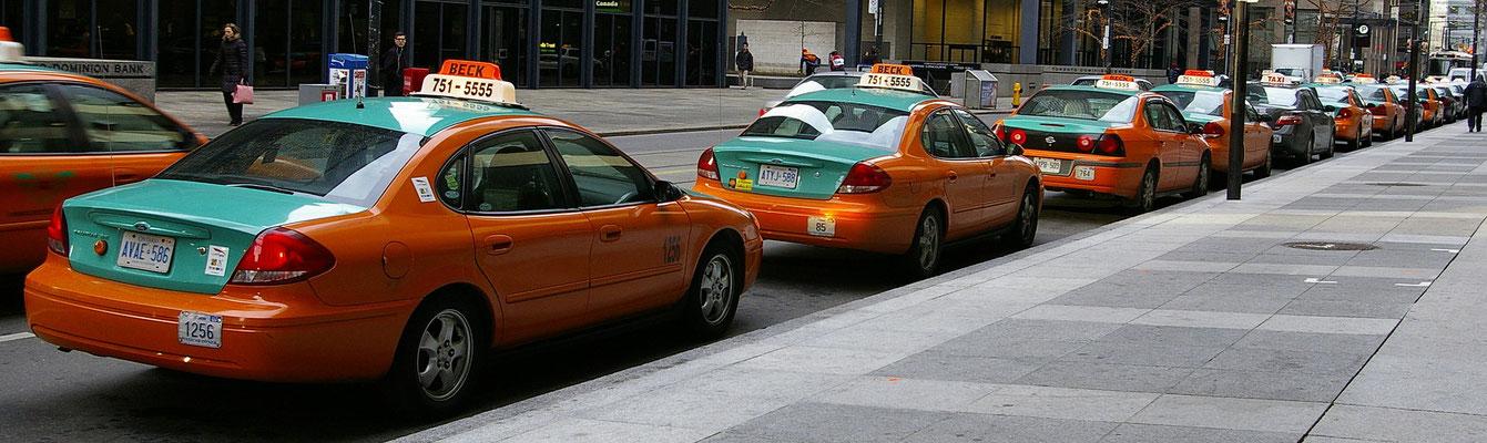 Taxi Toronto - Copyright Trip85.com