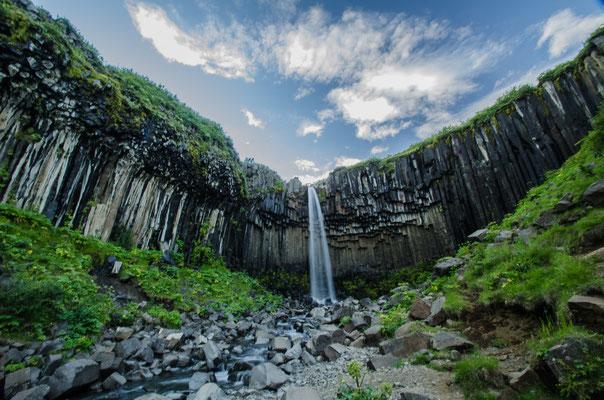 Les chutes de Svartifoss, Islande