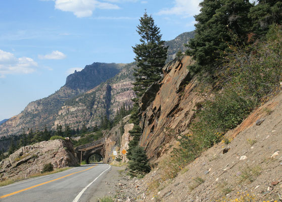 Million Dollar Highway - By Reinhard Schön [CC BY-SA 3.0 (http://creativecommons.org/licenses/by-sa/3.0)], via Wikimedia Commons