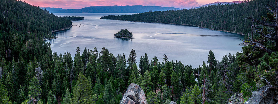 Lake Tahoe - © Frank Schulenburg / , via Wikimedia Commons